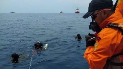 Katastrofa lotnicza w Indonezji. Samolot spadł do morza zaraz po starcie z lotniska