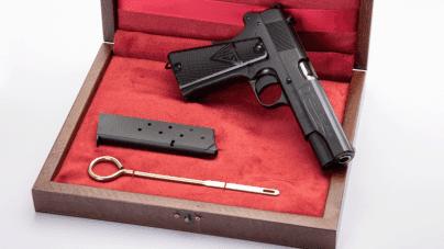 Z okazji 100-lecia niepodległości fabryka broni wypuszcza na rynek legendarny pistolet