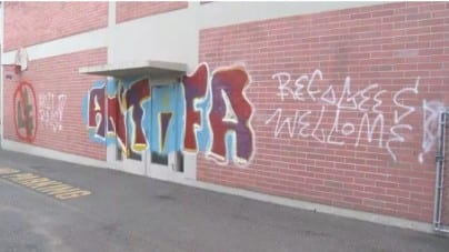 Kanada: Lewacy zaatakowali polski kościół. Na murze pojawiły się typowe dla Antify napisy