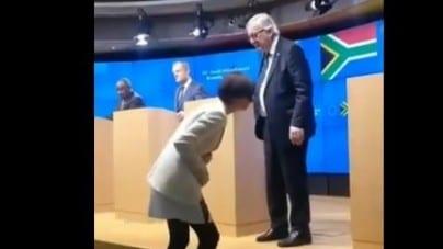 """Juncker znów miał atak """"rwy kulszowej""""! Tym razem… wytargał koleżankę za włosy"""