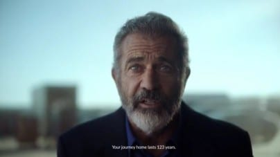 """Wyobraź sobie, że podróż do domu trwa 123 lata"""". Film z Melem Gibsonem o Polsce podbija sieć"""