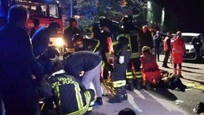 Wybuch paniki na koncercie we Włoszech. Są ofiary śmiertelne i ponad 100 rannych [WIDEO]
