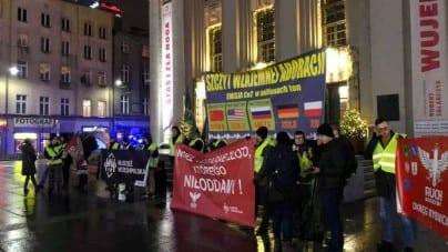 Narodowcy w żółtych kamizelkach pikietują w obronie polskiego przemysłu węglowego