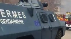 Macron wysłał przeciw protestującym transportery opancerzone z logo Unii Europejskiej [WIDEO]
