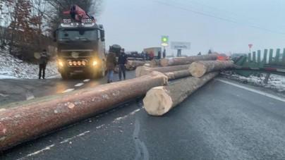 Zakopianka zakorkowana przez wypadek ciężarówki