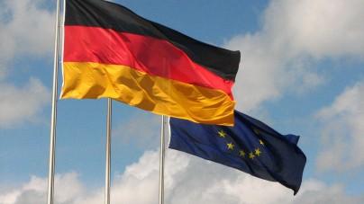 Niemcy: Polska praktycznie jest już własnością Unii Europejskiej