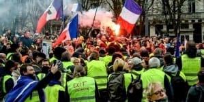 Wielki powrót żółtych kamizelek? Kilka tysięcy osób protestowało we Francji