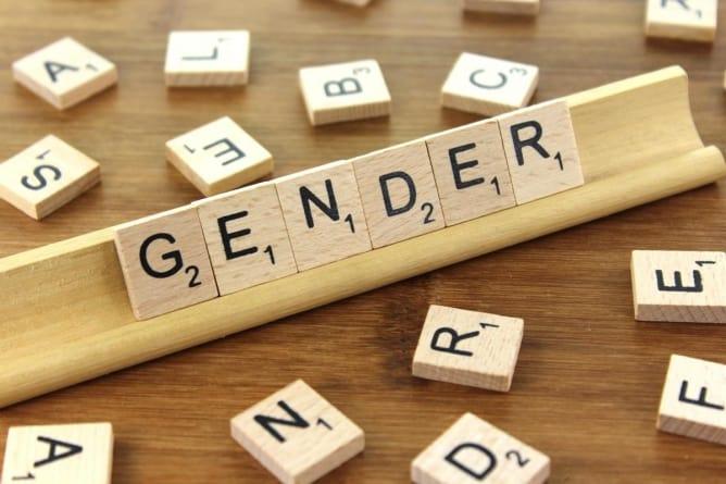 Profesor honorowo odchodzi z uczelni. Lewica zarzuciła jej homofobię i chciała cenzury zajęć