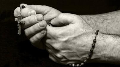 """Mieszane uczucia po słowach arcybiskupa Gądeckiego: """"Zabójca potrzebuje większego współczucia niż zabity"""""""