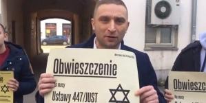 """Szef Marszu Niepodległości rozpoczyna kampanię przeciw roszczeniom żydowskim: """"Musimy reagować"""""""