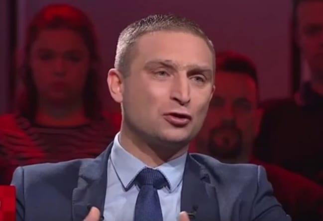 """Bąkiewicz zapowiada ofensywę ws. ustawy 447: """"Roszczenia mogą doprowadzić do bankructwa Polski"""""""