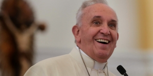 Papież zaskakuje: Pandemia to reakcja natury na… zmiany klimatu