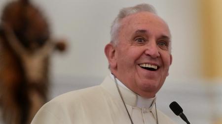 """Franciszek jedzie do Emiratów Arabskich. Chce dialogować z islamem: """"Wiara w Boga łączy"""""""