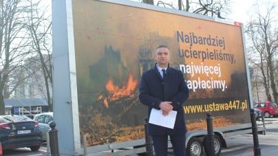"""Nagonka policji na szefa Marszu Niepodległości: """"Czy ma to związek z #NieDlaRoszczeń?"""""""