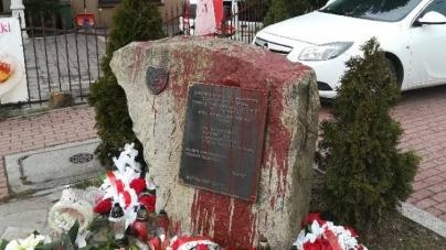 Zniszczył pomnik żołnierzy Narodowych Sił Zbrojnych. Jest wyrok sądu