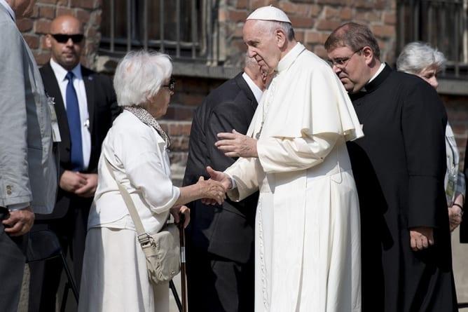Niepokojące zachowanie papieża Franciszka. [NAGRANIE]