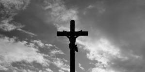 Profanacja w Katowicach! Zdewastowano krzyż i figurę Jezusa