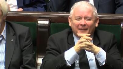 """TVP i TVN zgodnie atakują Konfederacje. """"Fakty"""" mówią głosem Kaczyńskiego!"""