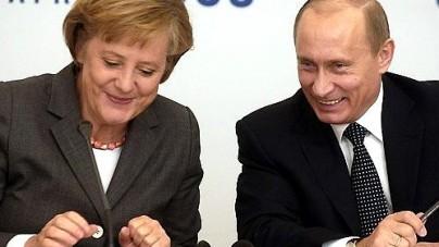 """""""Zdecydowane"""" sankcję UE na Rosję. Pod Moskwą powstała nowa fabryka niemieckich Mercedesów"""