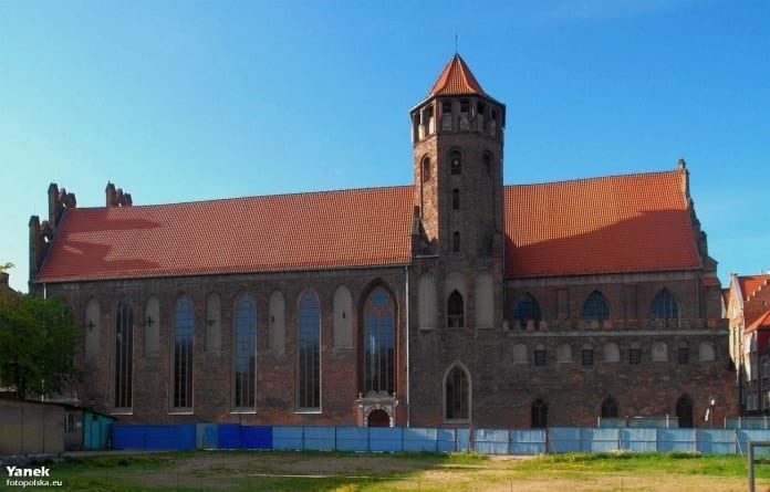 Cały świat płaci na Notre Dame. Tymczasem polski kościół, niezniszczony podczas II wojny światowej potrzebuje pilnej pomocy!