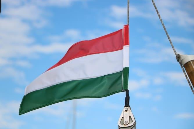Węgry: Jobbik zarzuca rządowi Orbana wpuszczanie imigrantów