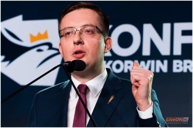 Winnicki w Wyższej Szkole Handlowej tłumaczy studentom… Dlaczego Polska dla Polaków