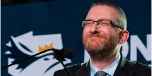 Grzegorz Braun zaskakuje! Donosi prokuraturze na samego siebie