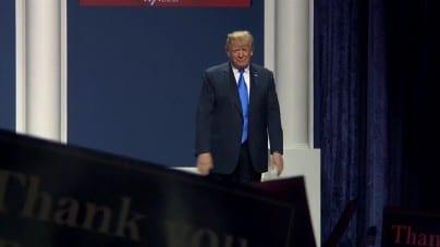"""Prezydent USA o testach: """"Być może są przereklamowane"""""""
