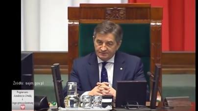 Kuchciński składa rezygnację. Kaczyński komentuje: Zajmijcie się opozycją