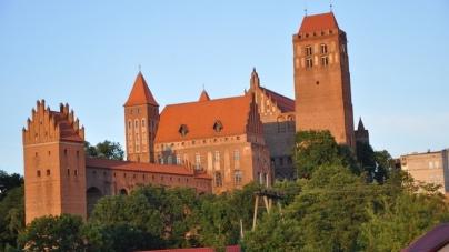 Zdeptano i połamano krzyż w polskim kościele