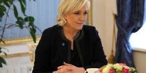 Le Pen wyprzedza Macrona w sondażach wyborczych