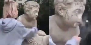 """Przedwojenna rzeźba zniszczona: """"Chciałam zabawić się w Minecraft'a"""""""