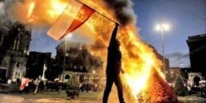 Polacy z Kresów Wschodnich czyszczą Warszawę z sodomickich symboli [+FOTO]
