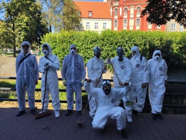 Młodzież Wszechpolska posprzątała po marszu równości: Odkaziliśmy miasto z wirusa LGBT