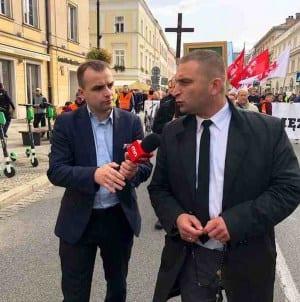 """Bąkiewicz: """"Z LGBT należy walczyć nie kamieniami, ale różańcem"""""""