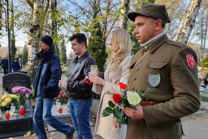 1 listopada. Narodowcy w Katowicach pamiętali o Bohaterach