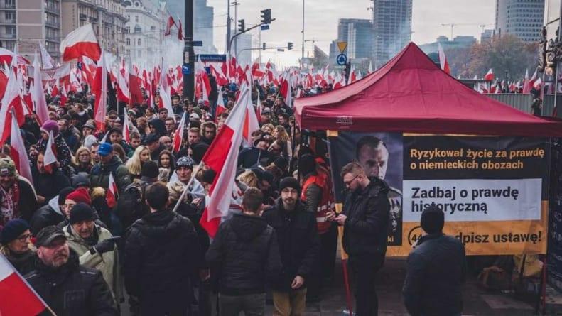 Zbiórka #STOP447 na Marszu Niepodległości. Jest 20 tysięcy podpisów!