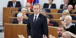 Senator zarażony COVID-19. Marszałek przesuwa datę obrad izby