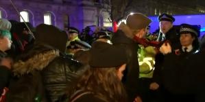 """Zadymy Antify w Londynie. Tworzy się brytyjski """"KOD""""?"""