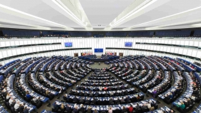 Unia znów ingeruje w polskie sprawy! Parlament Europejski uderza w naszą suwerenność