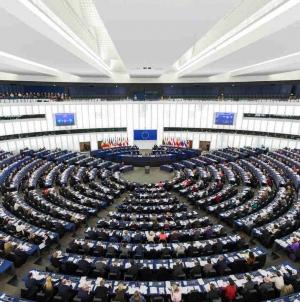Rezolucja Parlamentu Europejskiego w sprawie praworządności w Polsce. Kto był za?