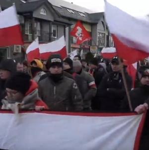 W Hajnówce trwa V Marsz Żołnierzy Wyklętych. Biedroń chce blokować