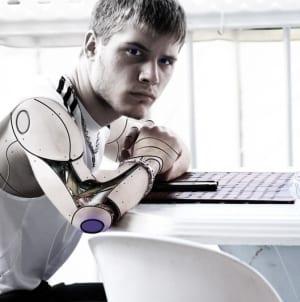 Hybryda człowieka ze sztuczną inteligencją – czyli niezrozumiała przyszłość AI