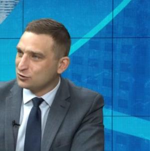 Bąkiewicz: Zacznijmy prowadzić prawdziwą politykę prorodzinną. 1000+ na trzecie i kolejne dziecko