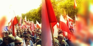 """Obejrzyj film dokumentalny """"STOP 447. Polacy w walce o prawdę"""" [WIDEO]"""
