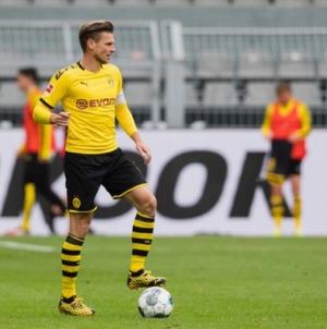 Łukasz Piszczek pozostaje w BVB jeszcze na rok. Wicekapitan Dortmundczyków podpisał nowy kontrakt.