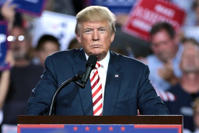 """Trump podpisał rozporządzenie o ochronie pomników. """"Długa kara więzienia"""""""