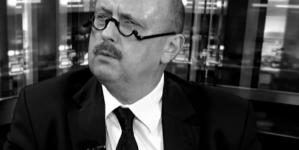 """""""Duża strata dla sprawy Polskiej"""". Politycy, dziennikarze i działacze społeczni żegnają mec. Hamburę"""
