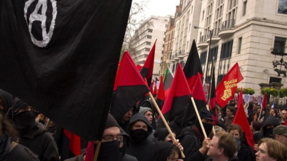 """Trzaskowski szkolił anarchistów z """"ulicznej gimnastyki"""". 3,6 mln zł z podatków na lewicową ekstremę"""