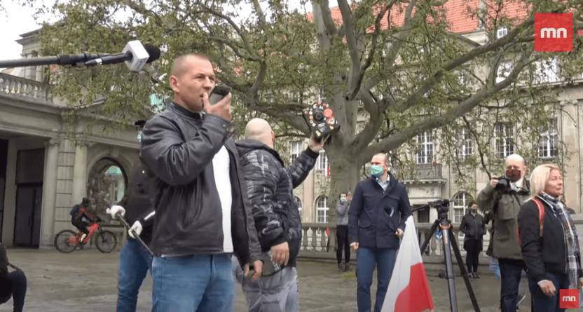 """""""Ja mówię, że jest źle, rząd mówi, że jest dobrze"""" Protest przedsiębiorców w Poznaniu [WIDEO]"""
